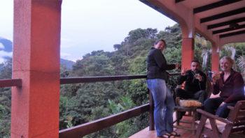 """Re-apéro sur notre terrasse de l'hôtel """"El cafetal"""""""